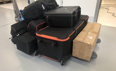 Videoequipment auf Rollwagen